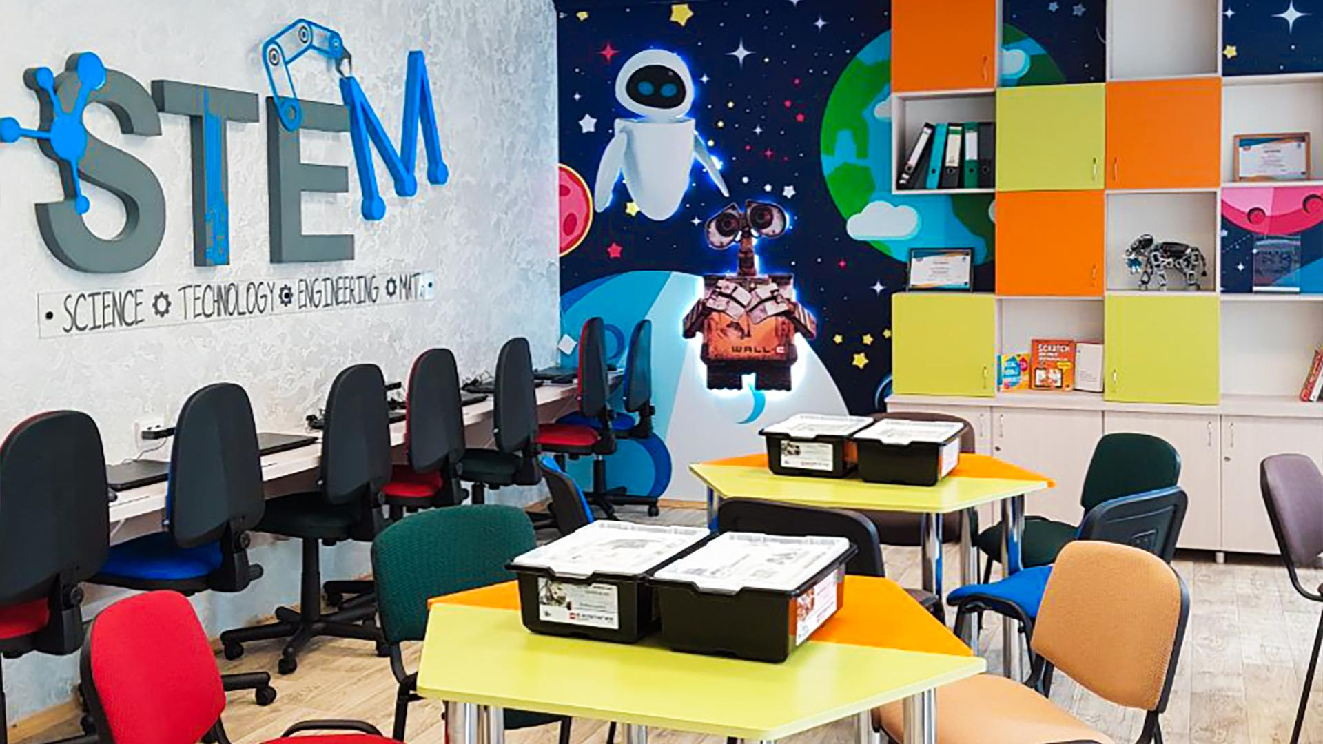 School STEM-centre in Belarus sponsored by Easybrain